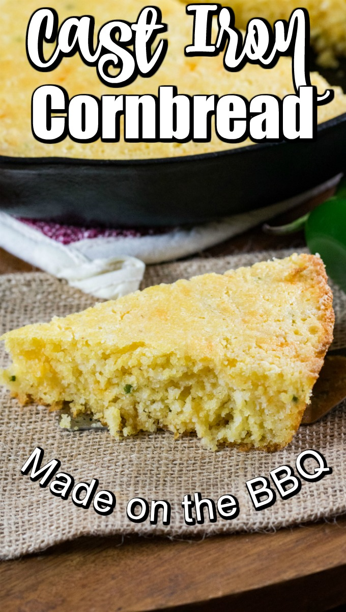 The sweet taste of cornbread is so good, and this recipe is easy to make and turns out fantastic #cornbread #castironcornbread #skilletcornbread #southerncornbread