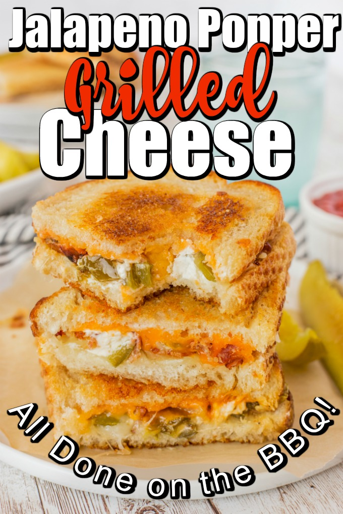 Jalapeno Popper Grilled Cheese recipe is like pure comfort food between two slices of bread. #Grilledcheese #jalapenopopper #jalapenogrilledcheese